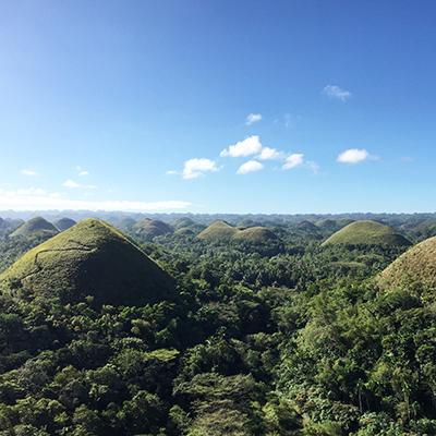 Prestolnica selfijev in tisočerih otokov
