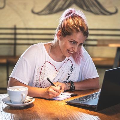 Kako pričeti pisati blog v 10 korakih – 1. del