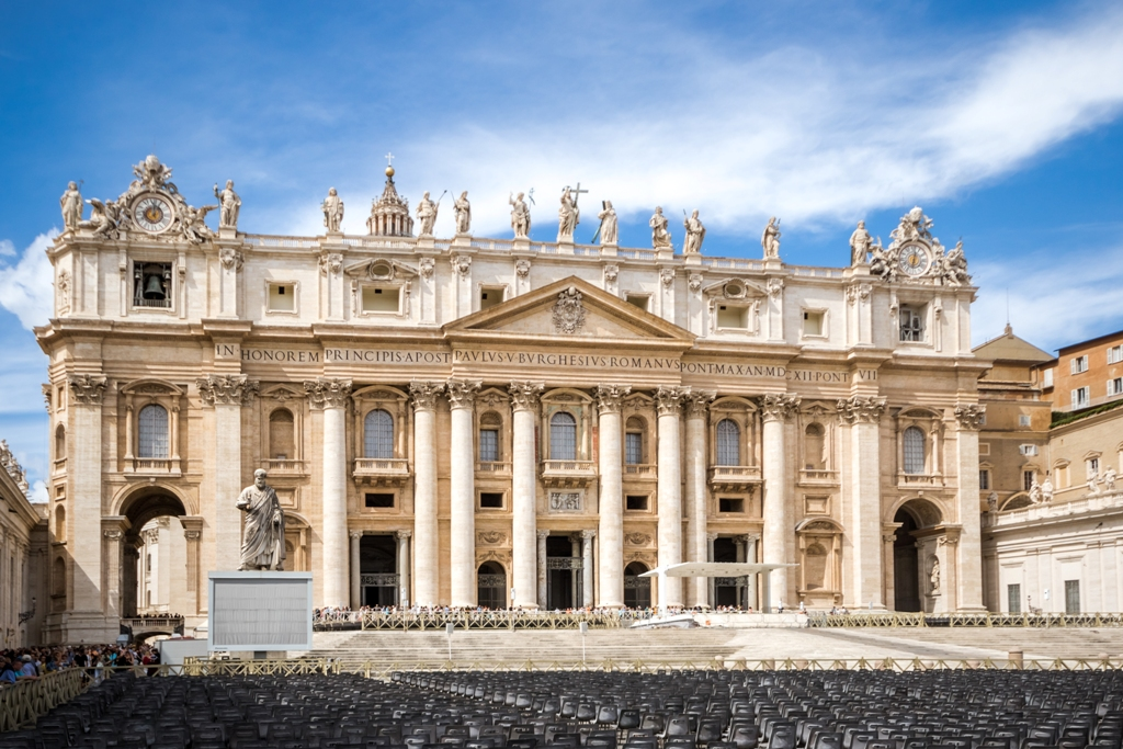 Exclusive_first_entrance_to_sistine_chapel-t69728_-004a3807.jpg