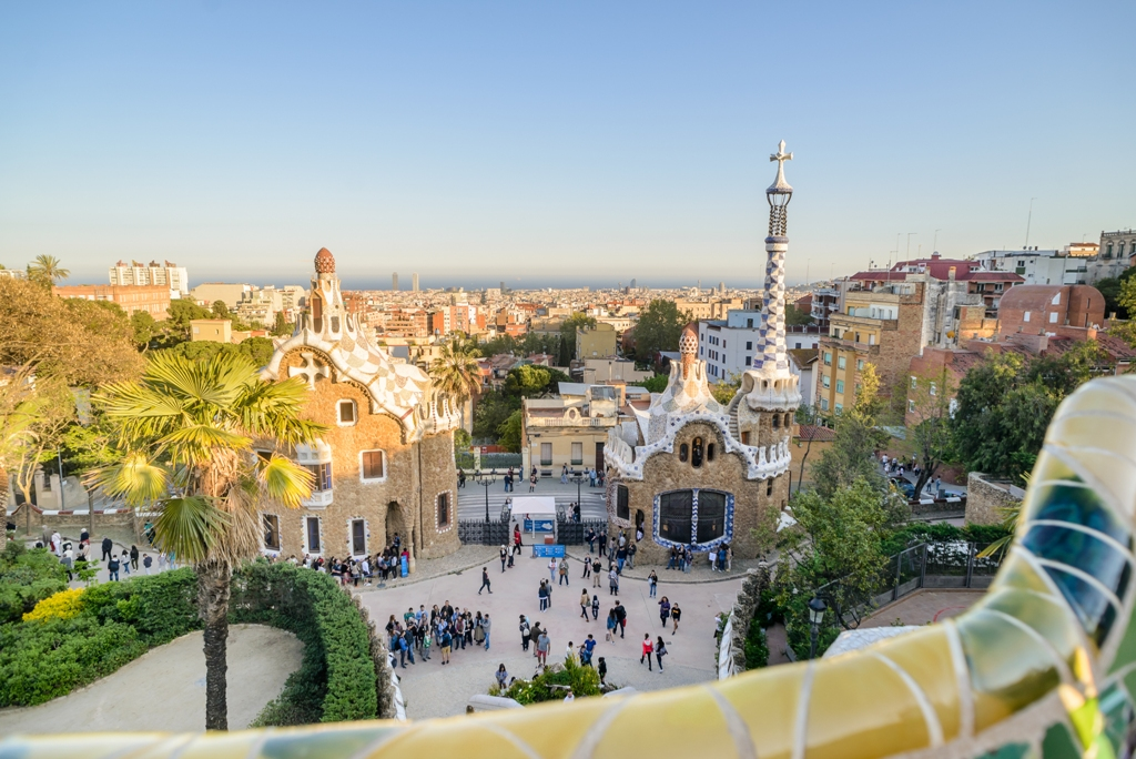 barcelona-fast-track-guided-tour-sagrada-familia-and-park-guell-t51590-020.jpg