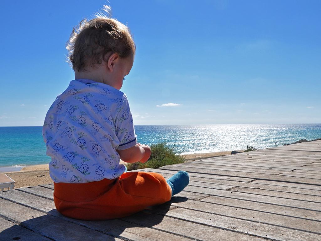 Potovanja_z_otroki_-_Traveling_with_children_-_Fuerteventura.JPG