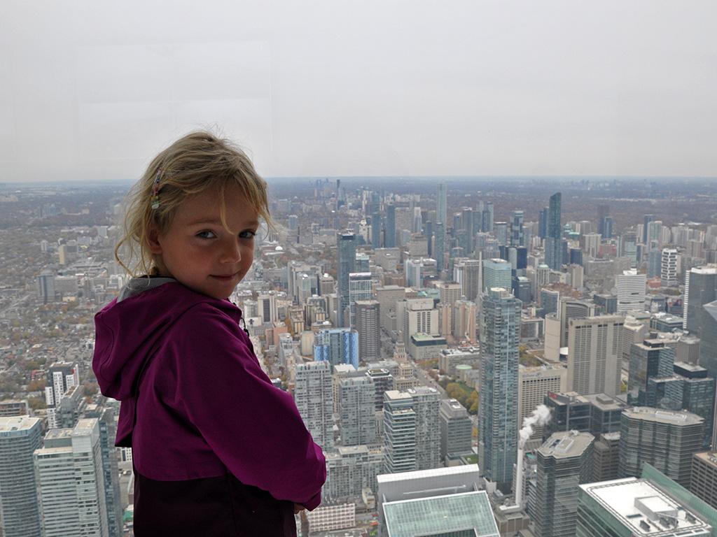 Potovanja_z_otroki_-_Traveling_with_children_-_Toronto.JPG