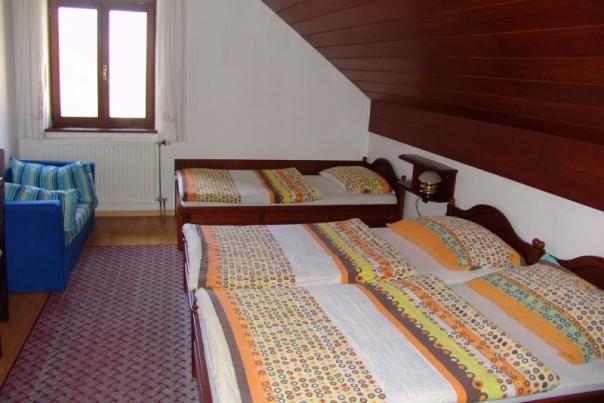 20_Hostel_Bledec_3_.jpg