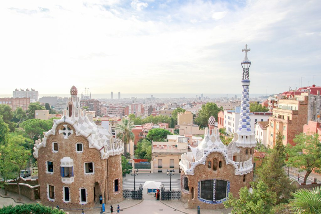 Potovanje_v_Barcelono_-_A_trip_to_Barcelona_-_Photo_by_Square_Lab_on_Unsplash.jpg