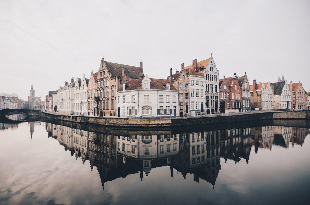 Potovanje_v_Bruges_-_Travel_to_Bruges_-_Photo_by_Libby_Penner_on_Unsplash.jpg