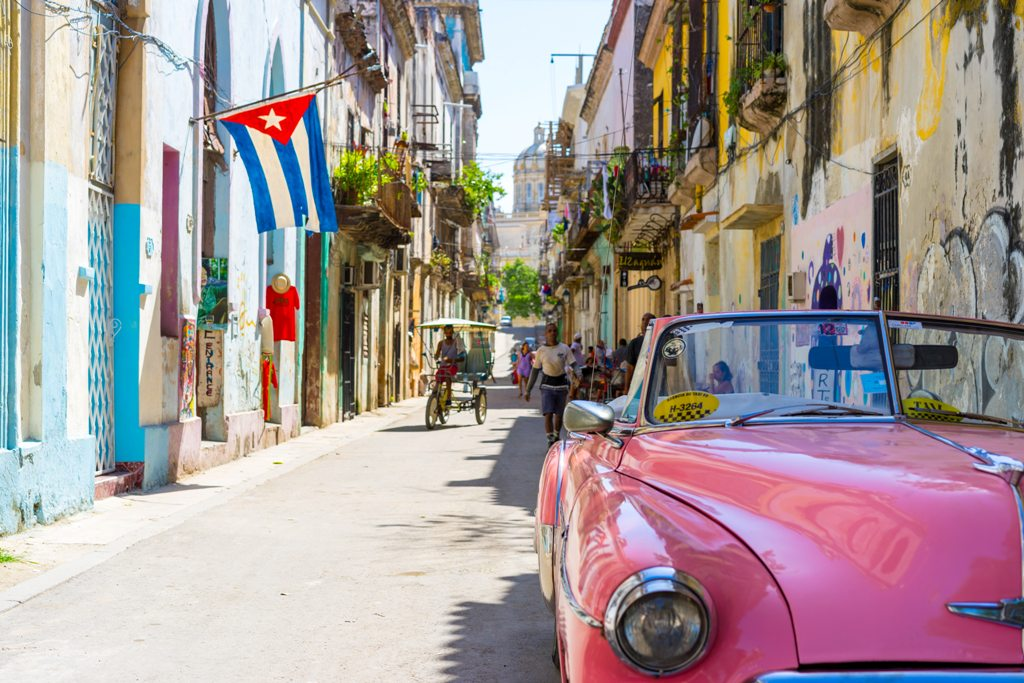 Potovanje_v_Havano_-_Travel_to_Havana_-_Photo_by_Alexander_Kunze_on_Unsplash.jpg