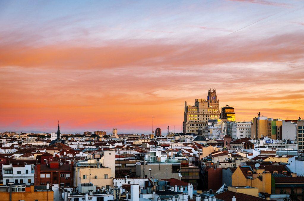 Potovanje_v_Madrid_-_Travel_to_Madrid_-_Photo_by_Andres_Garcia_on_Unsplash.jpg