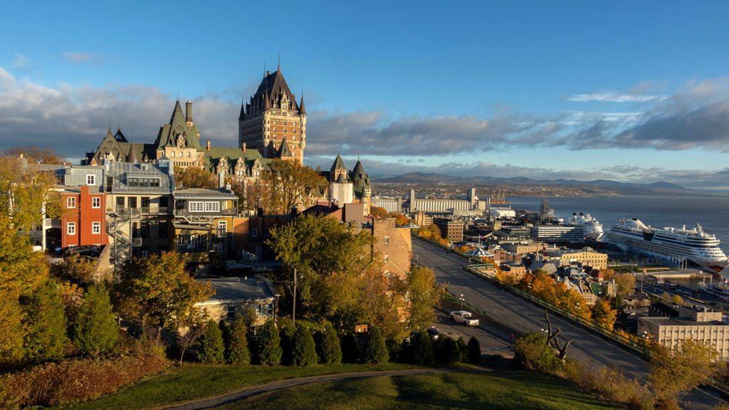 Potovanje_v_Quebec_-_Travel_to_Quebec_-_Photo_by_Rich_Martello_on_Unsplash.jpg
