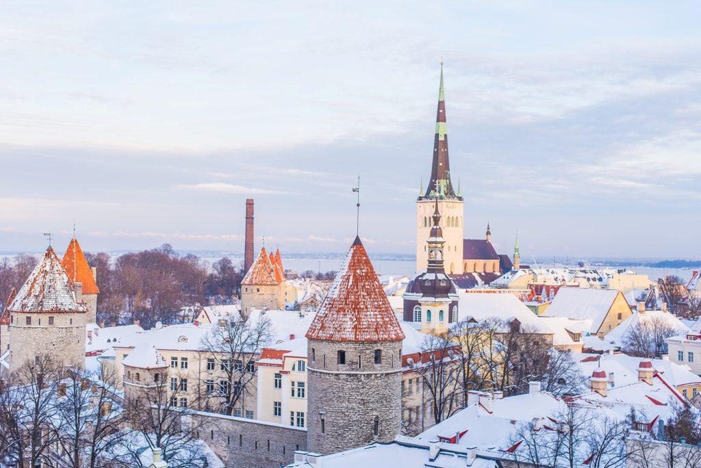 Potovanje_v_Talin_-_Travel_to_Tallinn_-_Photo_by_Ilya_Orehov_on_Unsplash.jpg